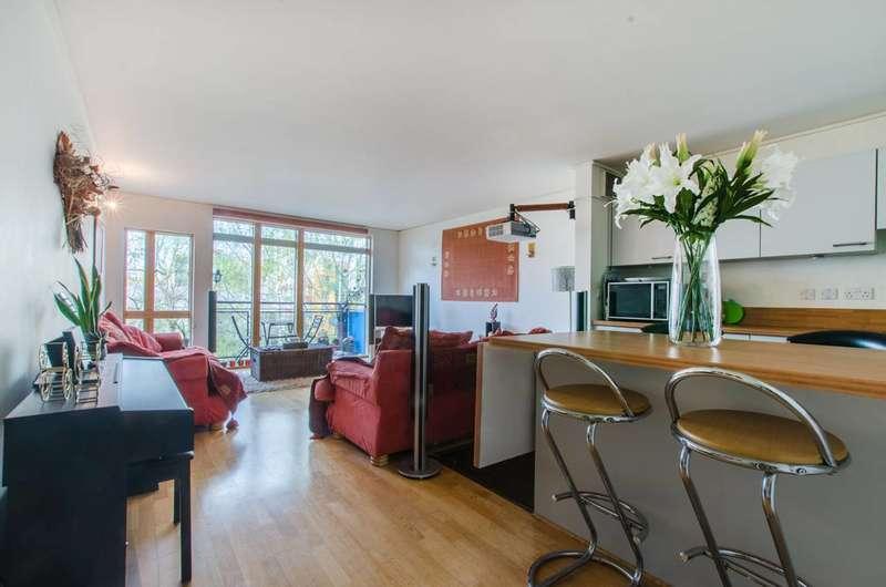 2 Bedrooms Flat for sale in Mudlarks Boulevard, Greenwich Millennium Village, SE10