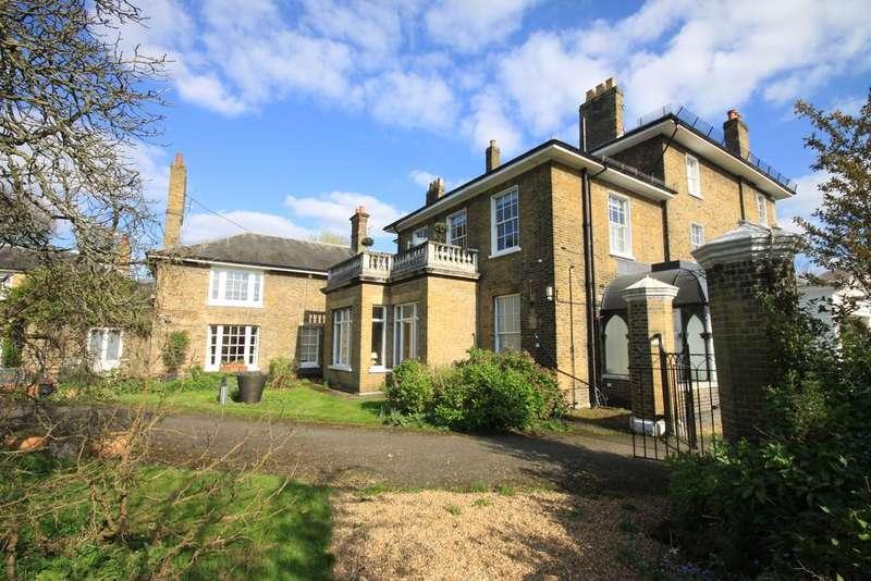 2 Bedrooms Flat for sale in Blackheath Park, Blackheath SE3