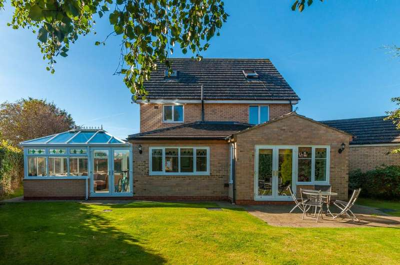 5 Bedrooms Detached House for sale in Bowe Crescent, Bedale