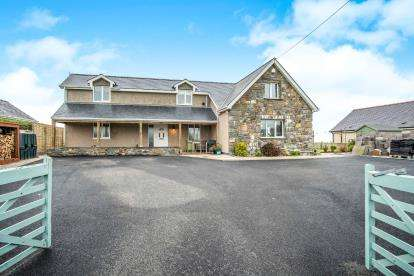 5 Bedrooms Detached House for sale in Dinas, Pwllheli, Gwynedd, ., LL53