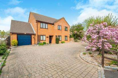 4 Bedrooms Detached House for sale in High Road, Guyhirn, Wisbech, Cambridgeshire