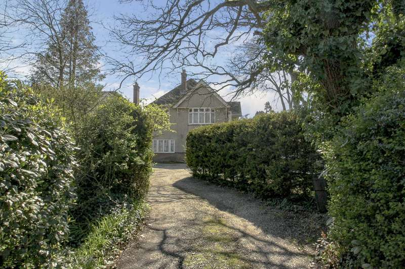 4 Bedrooms Detached House for sale in Wokingham Road, Earley