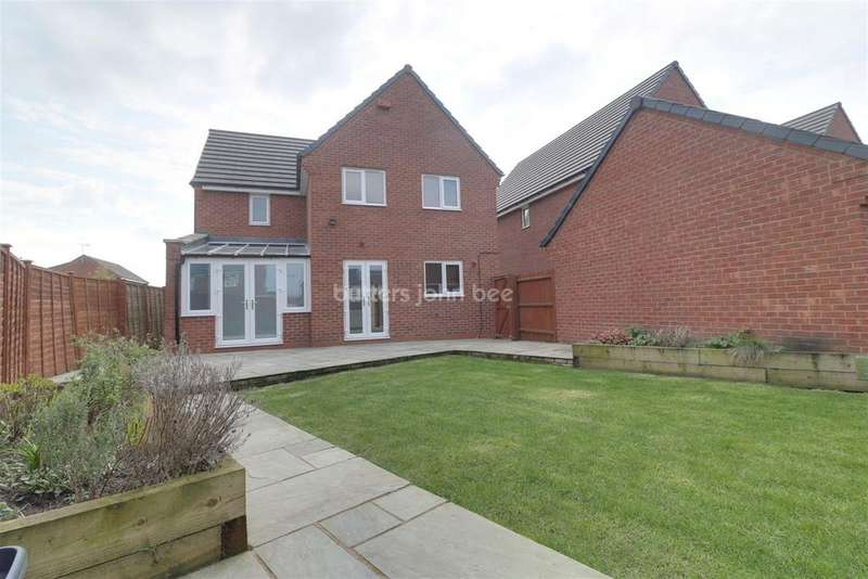 4 Bedrooms Detached House for sale in Barnfield Close, Leighton