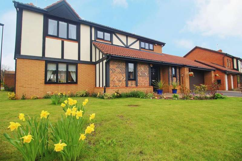 4 Bedrooms Detached House for sale in Kelso Drive, Preston Grange, North Shields