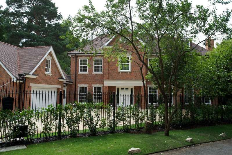 5 Bedrooms Detached House for sale in Shrubbs Hill Lane, Sunningdale