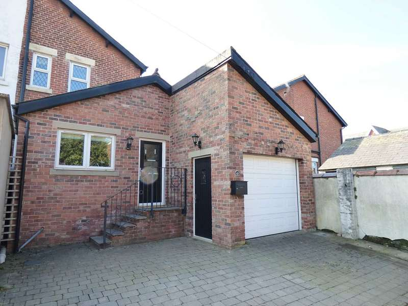 2 Bedrooms Mews House for sale in South Warton Street, Lytham