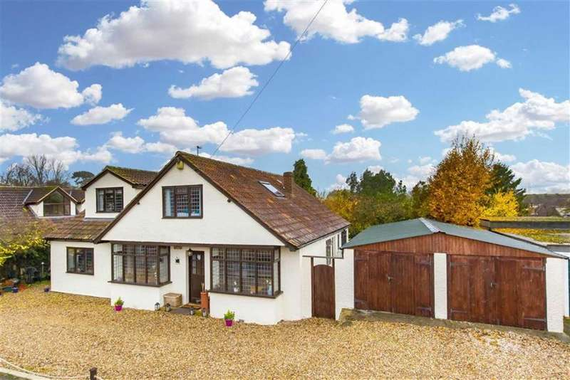 4 Bedrooms Detached House for sale in Willow Place, Hastingwood, Essex