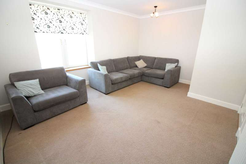 2 Bedrooms Flat for sale in Main Street, Auchinleck