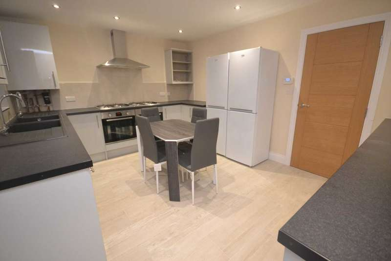 6 Bedrooms Semi Detached House for rent in Christchurch Road, Reading