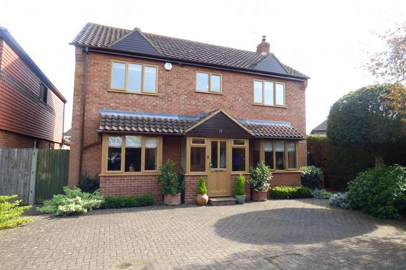 4 Bedrooms Detached House for sale in Kempston, Beds, MK42 7BA
