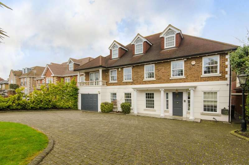6 Bedrooms Detached House for sale in Hainault Road, Chigwell, IG7