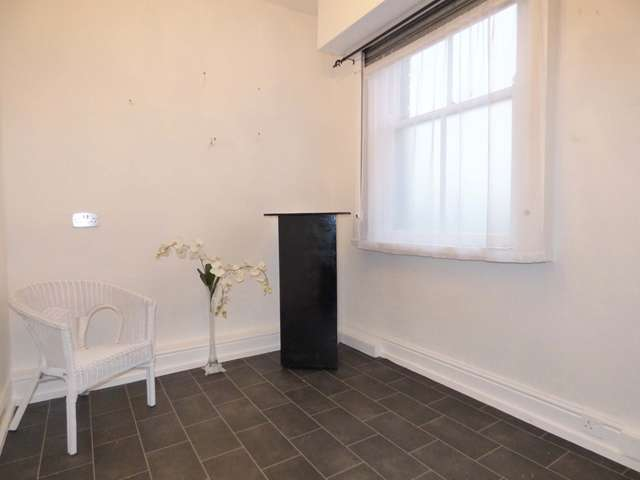 Studio Flat for rent in 348 Preston Road, Whittle-le-Woods, Nr Chorley, Lancashire PR6