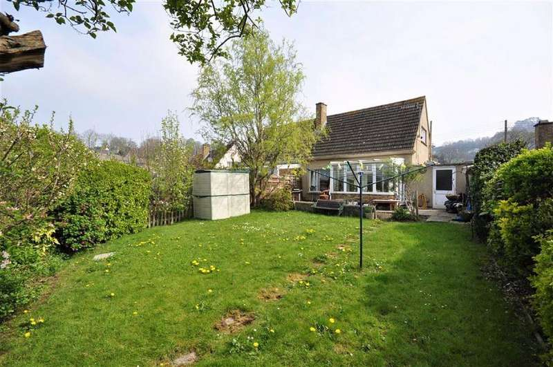 2 Bedrooms Semi Detached House for sale in Stringers Drive, Stroud