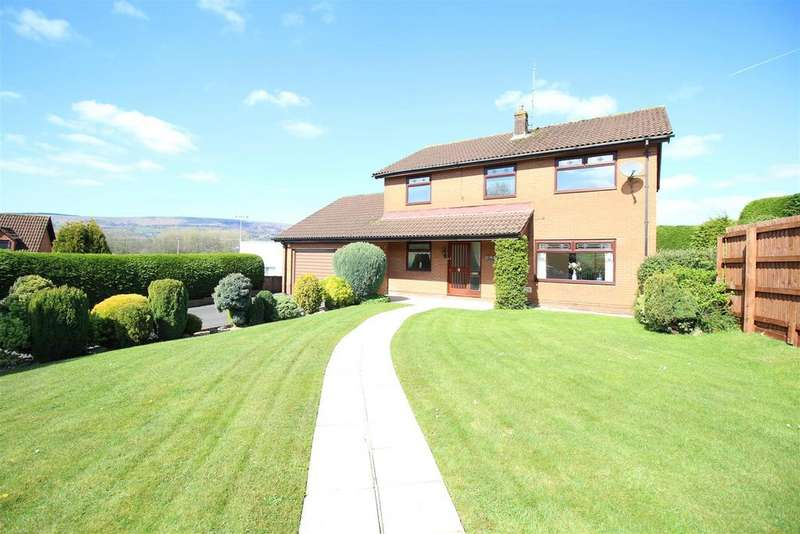 4 Bedrooms Detached House for sale in Hanfield Park, Croesyceiliog, Cwmbran