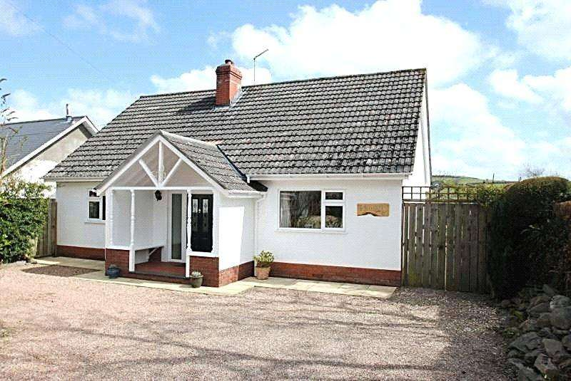 4 Bedrooms Detached House for sale in East Street, North Molton