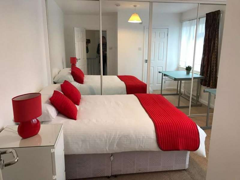 6 Bedrooms End Of Terrace House for rent in Harefield Road