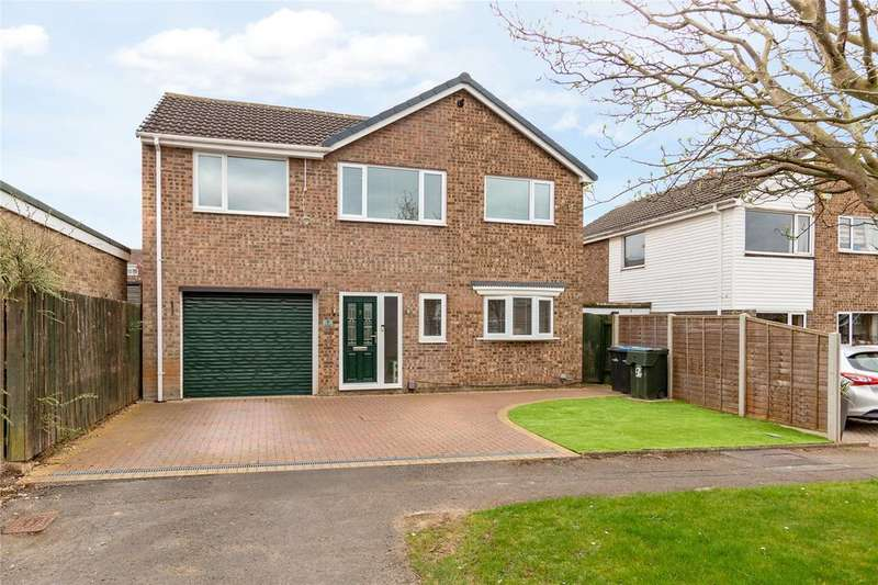 5 Bedrooms Detached House for sale in Whernside, Nunthorpe