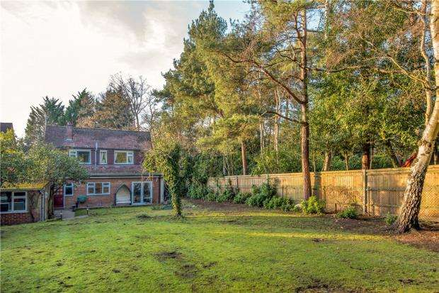 3 Bedrooms Detached House for sale in Warren Lane, Finchampstead, Wokingham