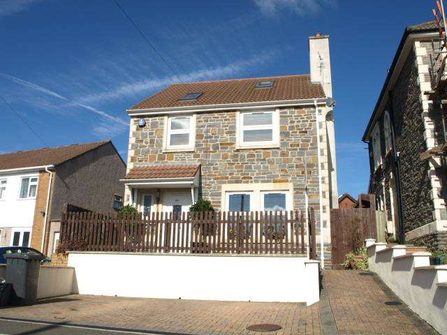 4 Bedrooms House for sale in Lower Station Road, Staple Hill, Bristol, BS16 4LT