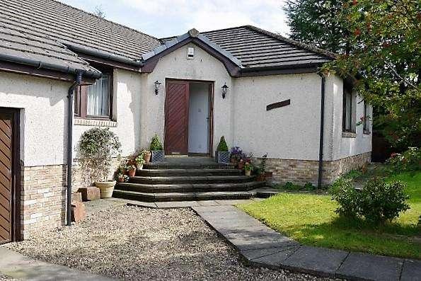 5 Bedrooms Detached Bungalow for sale in Stewarton KA3