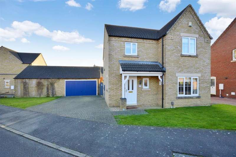 4 Bedrooms Detached House for sale in Cambrian Way, North Hykeham, Lincoln