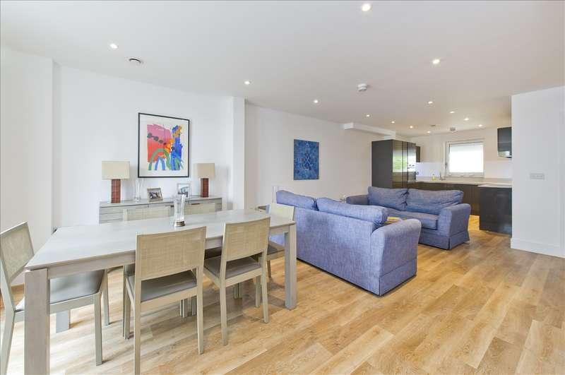 2 Bedrooms Maisonette Flat for sale in Edward Terrace, Greenside Road, Shepherd's Bush W12