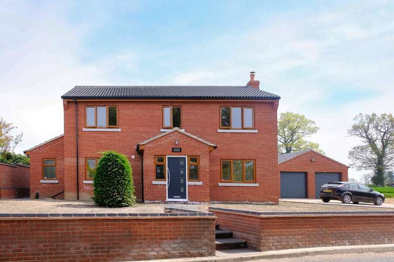 4 Bedrooms Detached House for sale in Acle Road, Moulton St Mary
