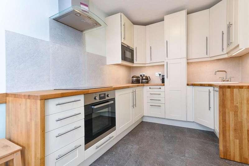 2 Bedrooms Flat for sale in Bramlands Close, Battersea
