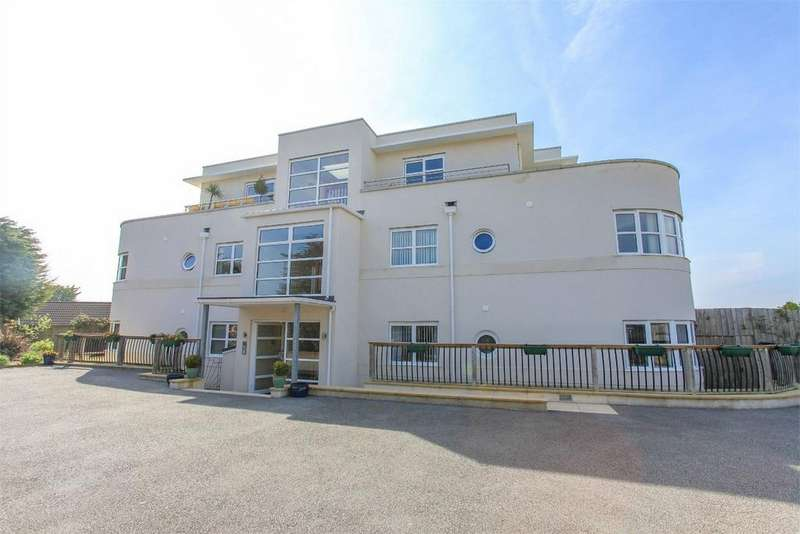 2 Bedrooms Flat for sale in Rialto Court, 128 Porthpean Road, ST AUSTELL, Cornwall