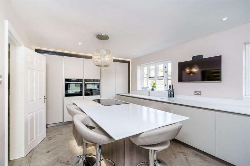 4 Bedrooms Detached House for sale in Allens Orchard, Brampton