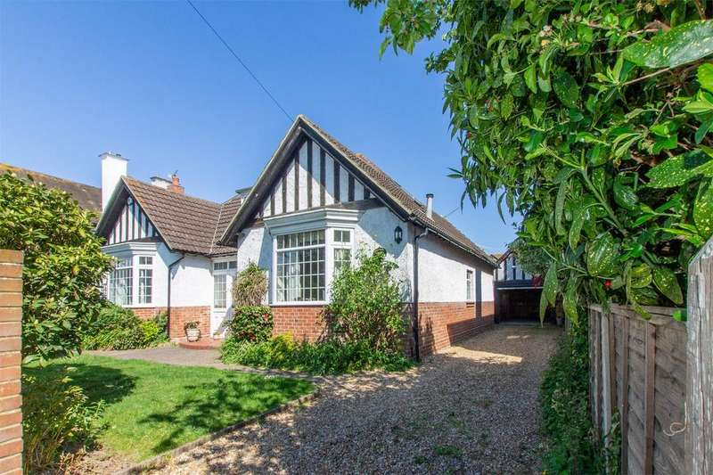 3 Bedrooms Chalet House for sale in Milvil Road, Lee-on-the-Solent, Hampshire