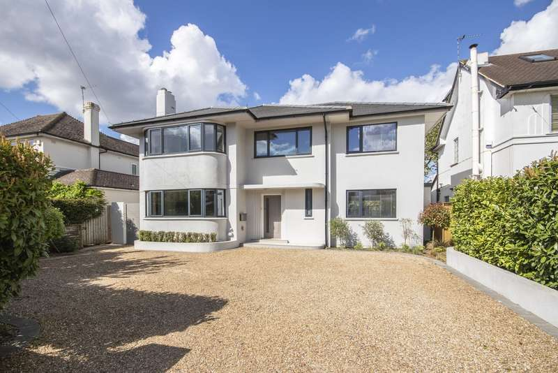 5 Bedrooms Detached House for sale in Ember Lane, Esher, KT10