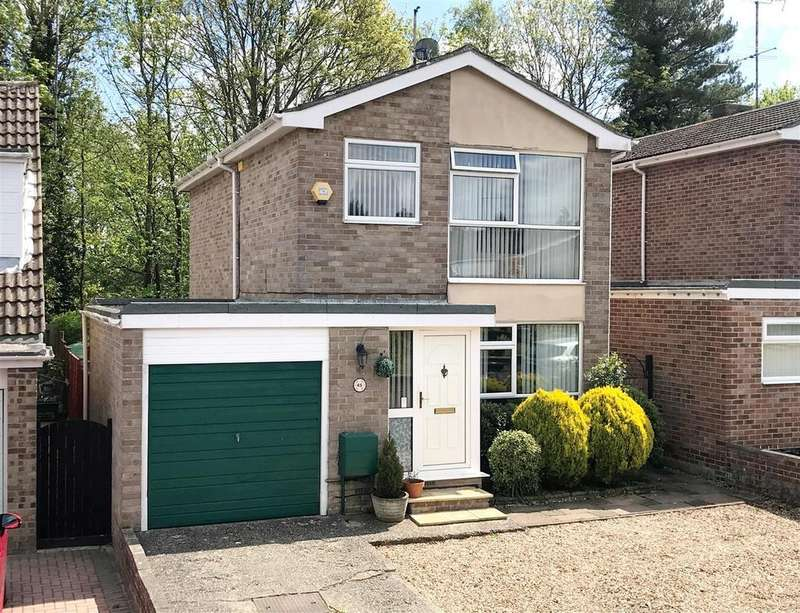 3 Bedrooms Detached House for sale in Abbey Close, Newbury