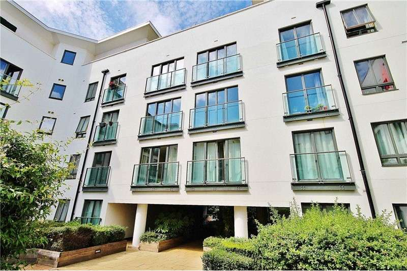 1 Bedroom Apartment Flat for sale in Holford Way, Putney, London, ,, SW15 5DU