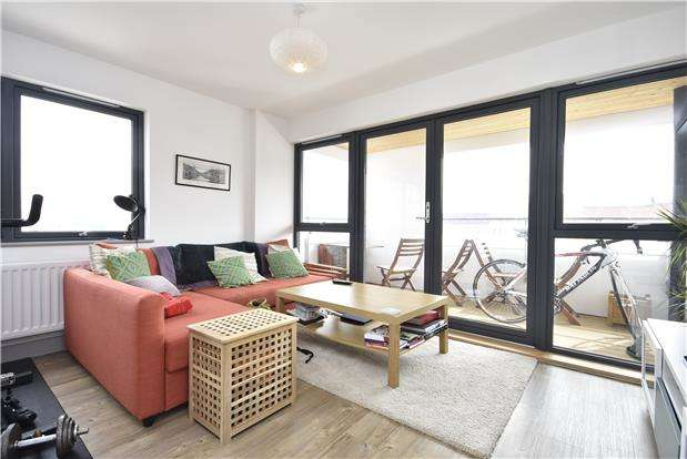 2 Bedrooms Flat for sale in Paintworks, Arnos Vale, Bristol, BS4 3AW