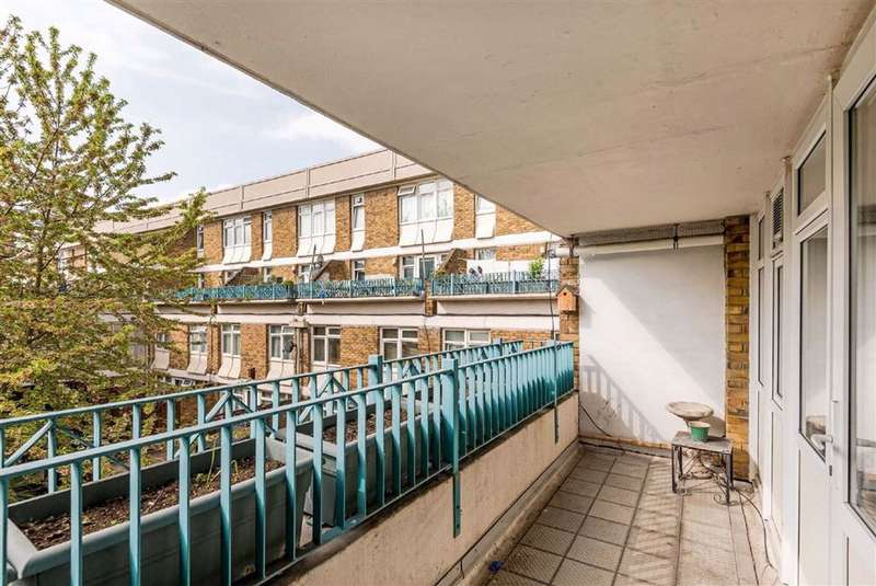1 Bedroom Flat for sale in Crowhurst House, London, London