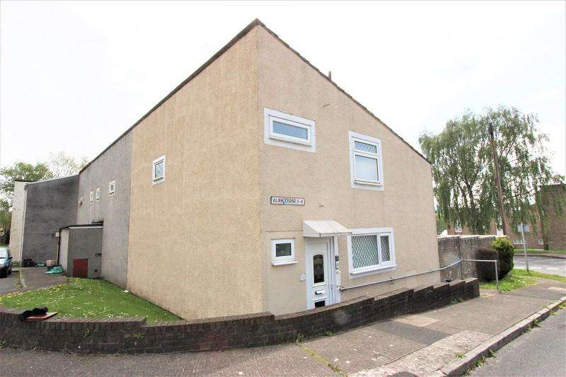 3 Bedrooms Terraced House for sale in Alan Close, Rogerstone, Newport. NP10 9DL