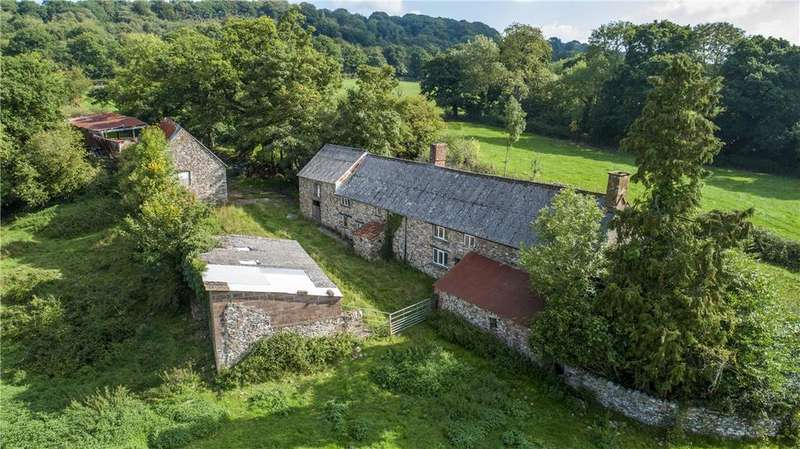 5 Bedrooms Farm Commercial for sale in Troakes Farm, Clayhidon, Cullompton, Devon, EX15