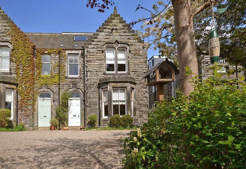 3 Bedrooms Apartment Flat for sale in 132 Grieve Street, Dunfermline KY12 8DW