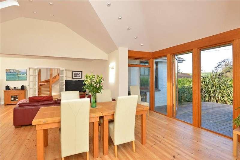 5 Bedrooms Detached House for sale in St Helens Close, Croyde, Braunton, Devon, EX33