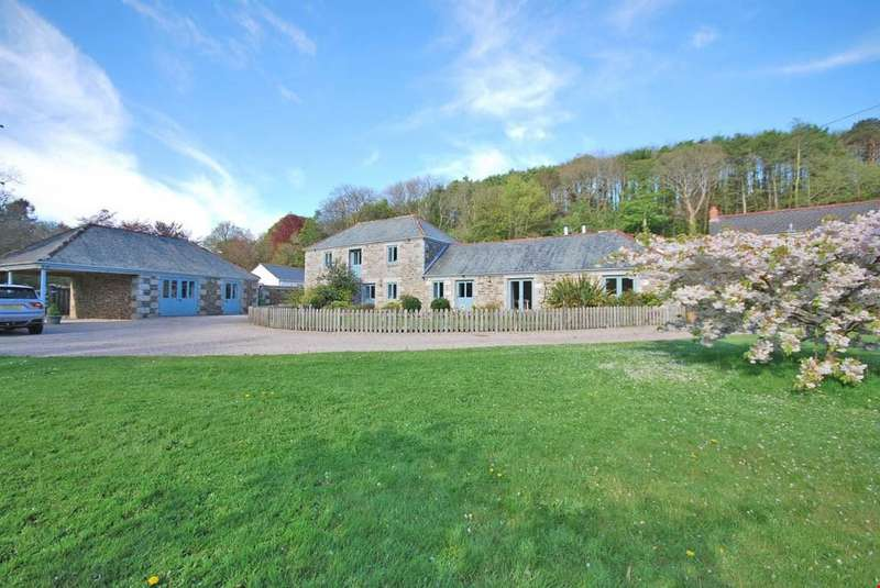 4 Bedrooms Detached House for sale in Sithney Green, Helston, Cornwall