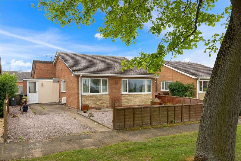 3 Bedrooms Detached Bungalow for sale in The Green, Leasingham, Sleaford, Lincolnshire, NG34
