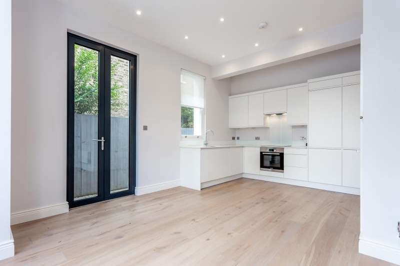 2 Bedrooms Flat for sale in Birch Grove, W3