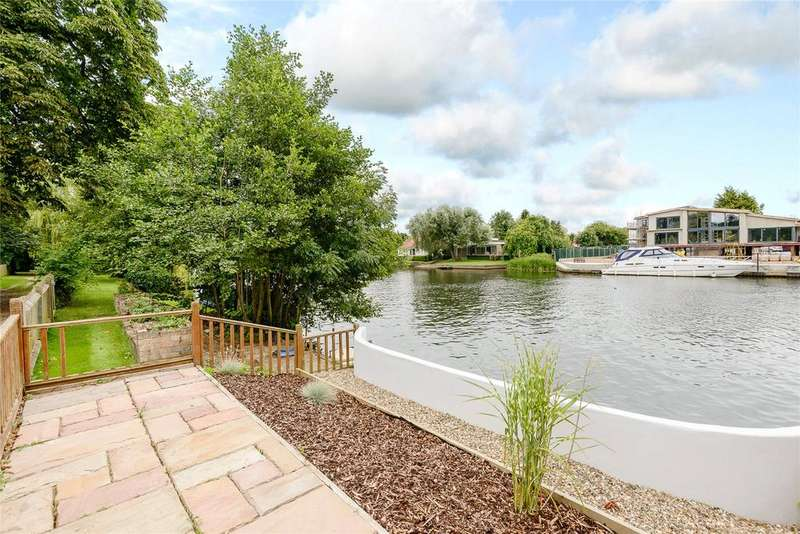5 Bedrooms Detached House for sale in The Friary, Old Windsor, Windsor, Berkshire, SL4