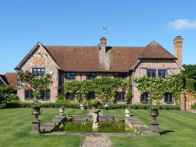 4 Bedrooms Detached House for sale in Winkfield Lane, Winkfield, Windsor, Berkshire, SL4