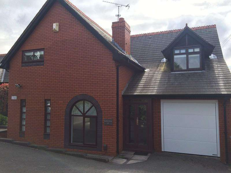 4 Bedrooms Detached House for rent in Park Road, Barry, The Vale Of Glamorgan. CF62 6NW