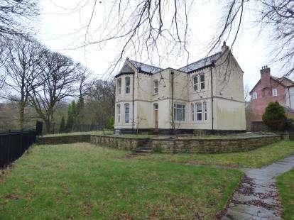 3 Bedrooms Detached House for sale in Pasturegate Avenue, Burnley, Lancashire