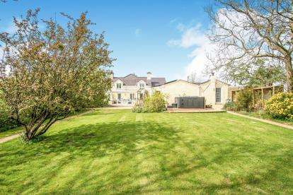 5 Bedrooms Detached House for sale in Brynteg, Anglesey, North Wales, LL78