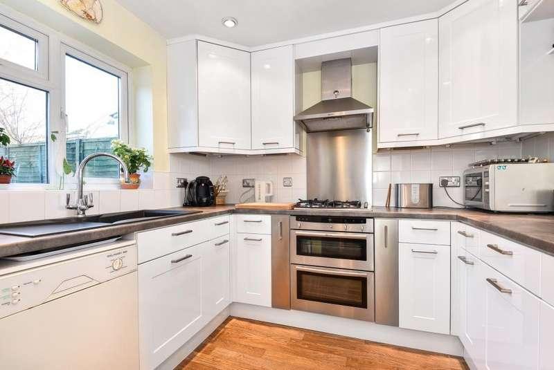 3 Bedrooms House for sale in Farnham Common, Berkshire, SL2