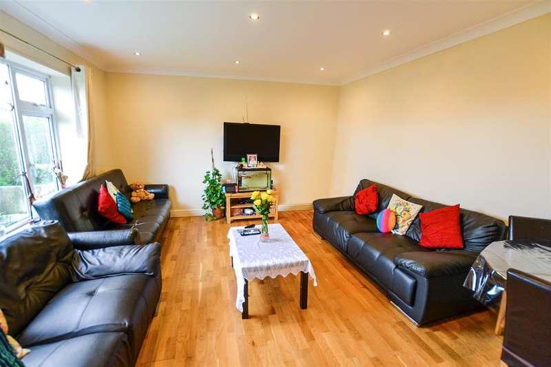 3 Bedrooms Semi Detached House for sale in Middleton Road, Morden